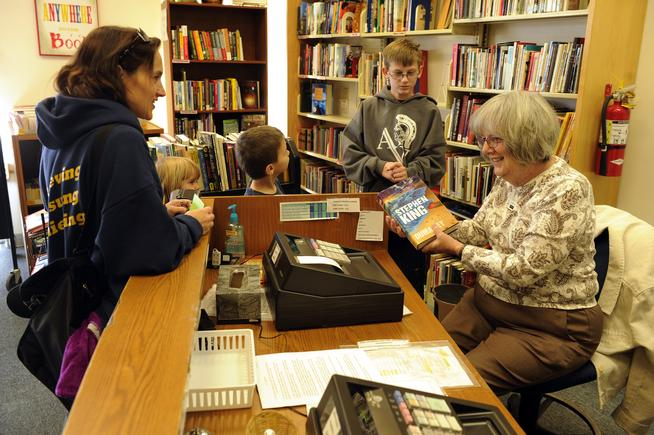 Friends of Aurora Public LIbrary is a foundation that supports the public library system in Aurora.